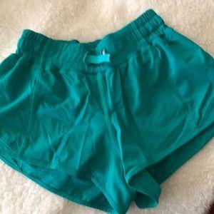 Lululemon Hotty hot shorts - size 2